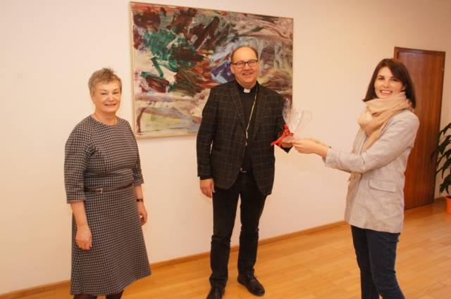 Frauenreferentinnen auf Abschieds- und Antrittsbesuch: Angelika Ritter-Grepl, Bischof Hermann Glettler und Margit Haider (v. l. n. r.) – Foto: Diözese Innsbruck