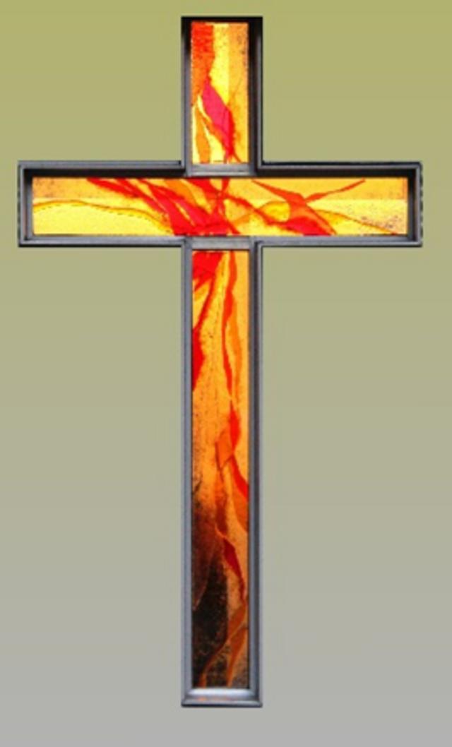 Bild: Glaskreuz in der Kapelle des BKH Reutte, Georg Rehm
