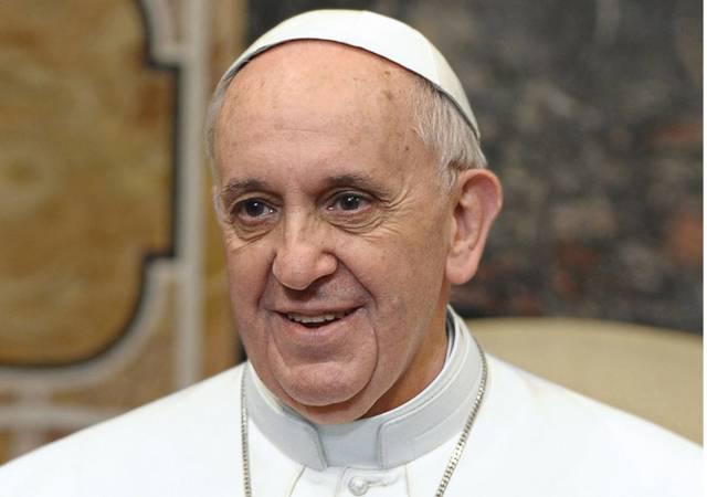 Auf dem Bild ist Papst Franziskus zu sehen.